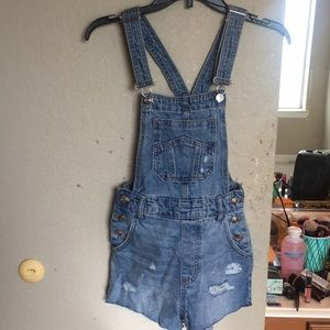 NWT H&M distressed overalls💙